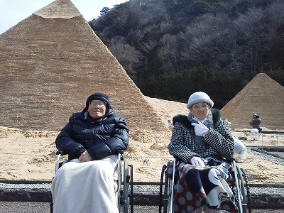 エジプトピラミッド前にて(2枚目)