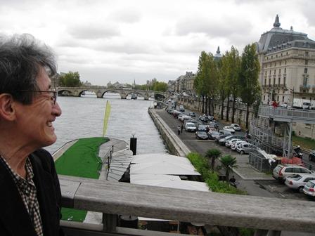 オルセー美術館で名画を鑑賞 セーヌ川とパリにお別れをする最終日です。