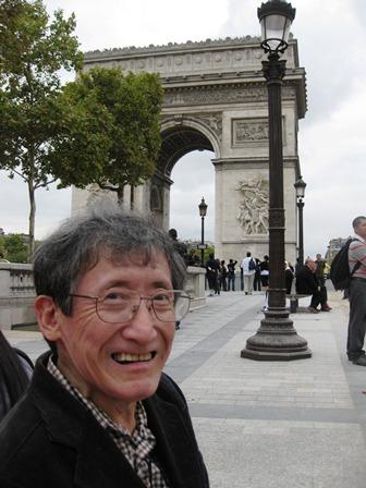 凱旋門では、中国からの観光客が多いのに驚きました。