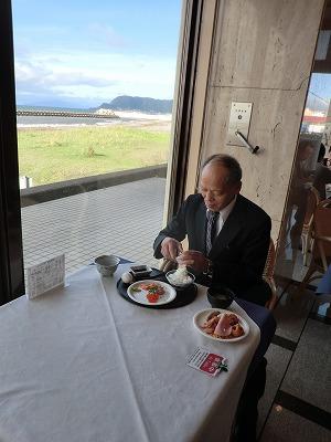 晴天の朝食